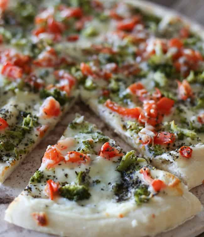 broccoli tomato bechamel pizza