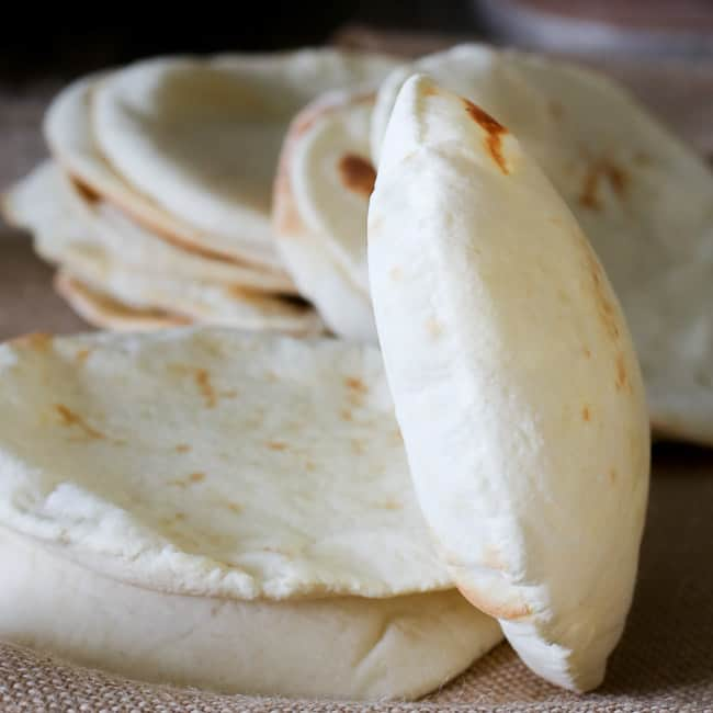 pita bread recipe and how to make pita bread