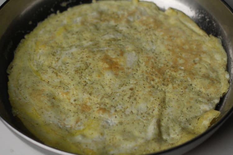 roasted red pepper garlic omelette breakfast