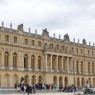 Versailles, Paris {A Tunic + White Denim}