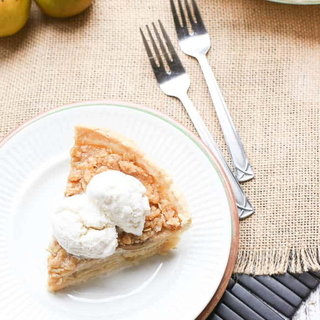 Buttermilk Pear Pie with Oat Topping