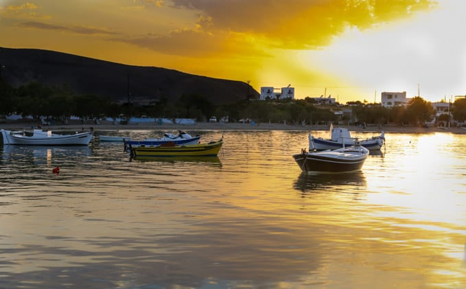 what to do in Milos and where to stay in Milos