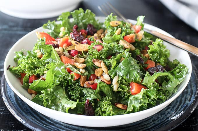 Moroccan Spiced Salad w. Pomegranate + Pistachios