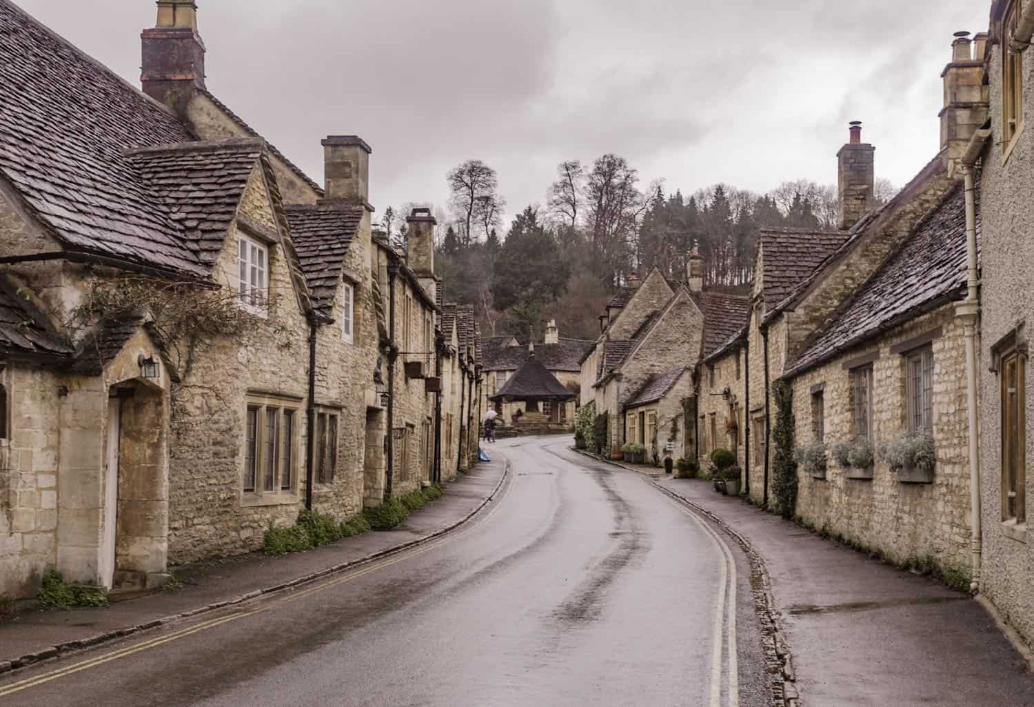 Two Magical English Towns to Add to Your Bucket List : Castle Combe and Lacock